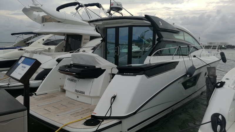 Sunset Yacht Beneteau Cancun