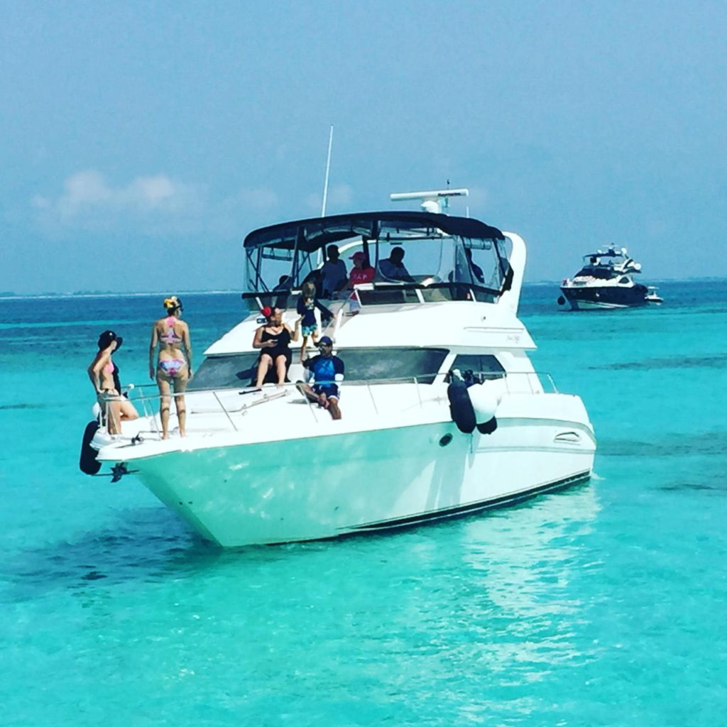 cancun rent a yacht Sea Ray 46