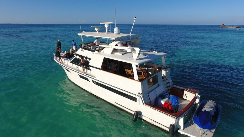 Party Boat Cancun Isla Mujeres