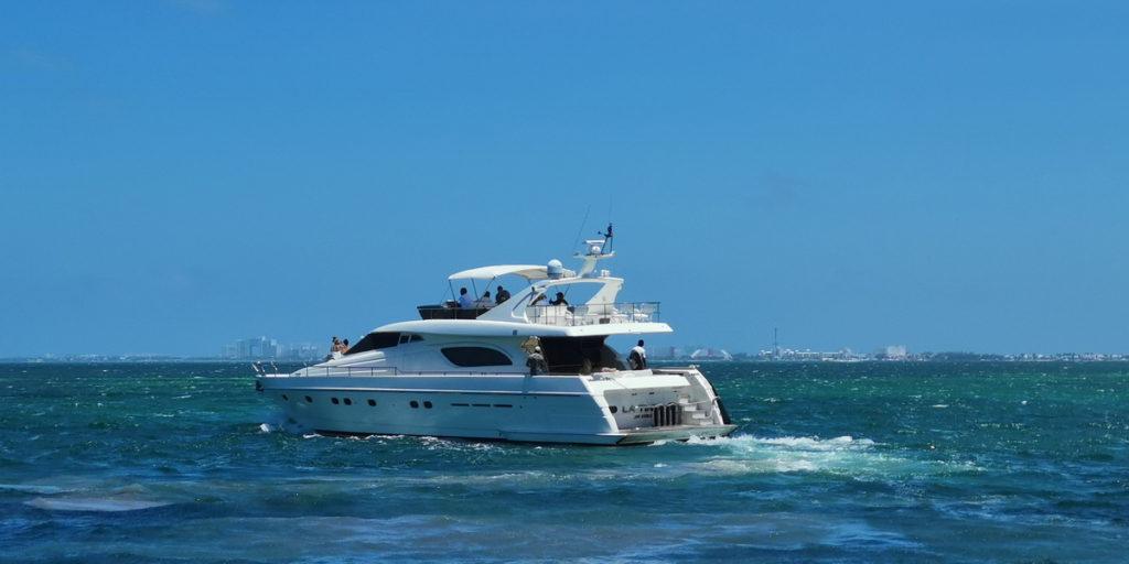 Super yacht Cancun
