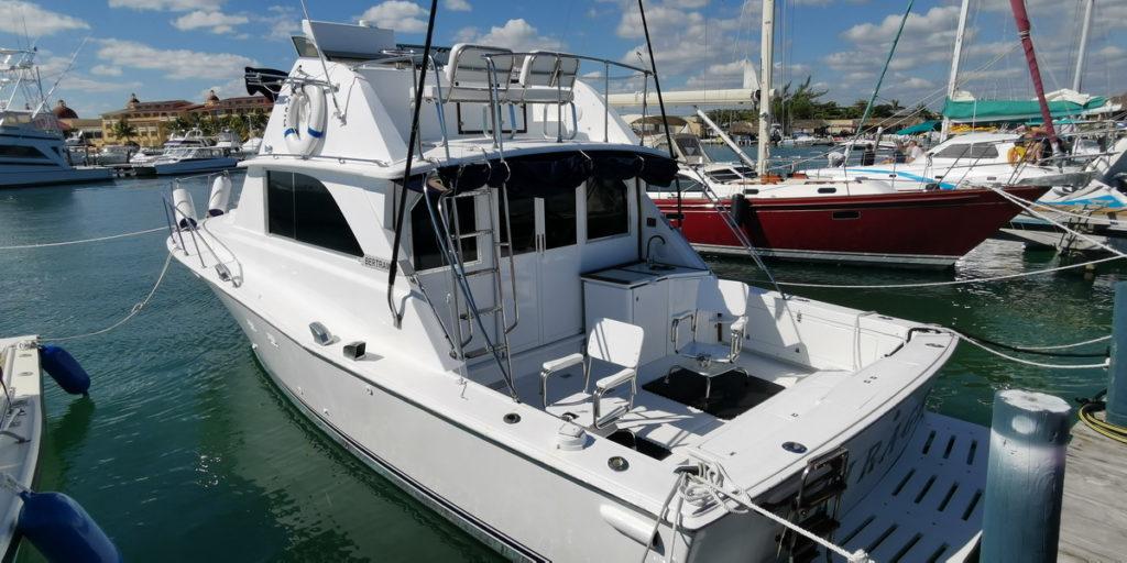 Pesca en Yate Bertram 38 Isla Mujeres Cancun