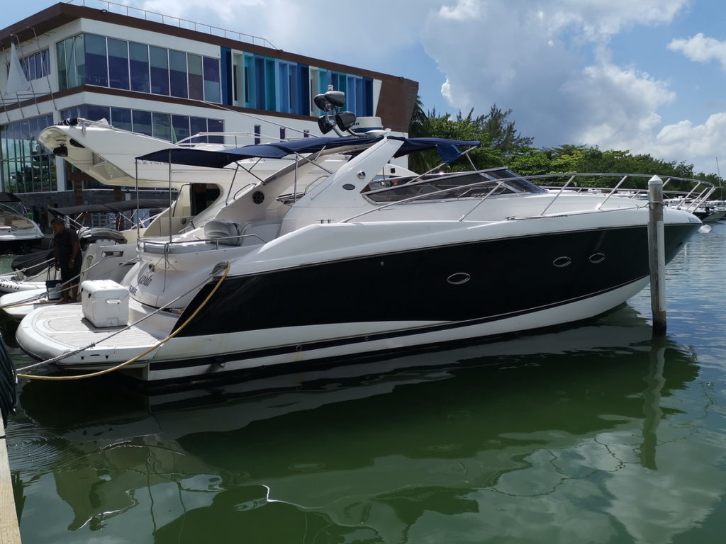 Sunseeker Yacht 50ft Cancun Marina