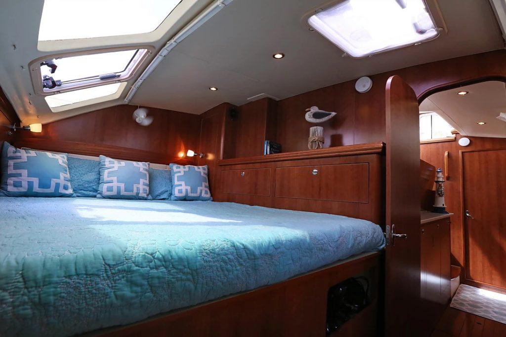 Catamaran 36
